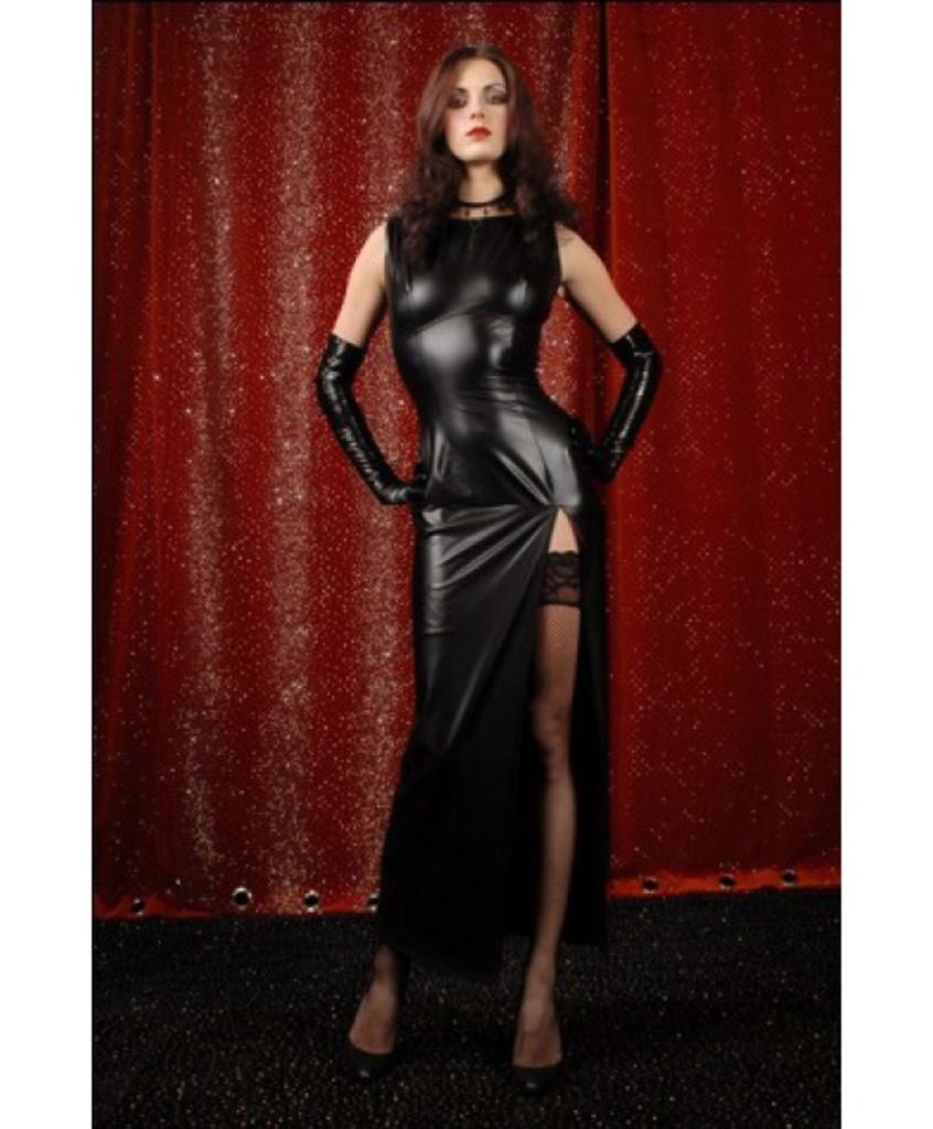 Сексуальные девушка в чёрном кожаном плаще фото 12 фотография